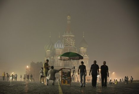 St Basil's Cathedral lies shrouded in the smog covering Moscow.
