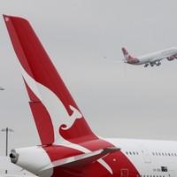 Man tries to break into cockpit on flight from Australia