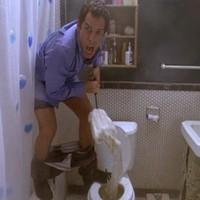 8 things everyone does in someone else's bathroom