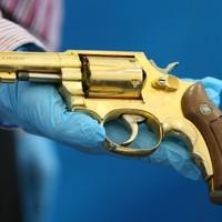 Dissident arms seizure includes golden gun