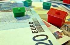 House prices in the EU continue to plummet