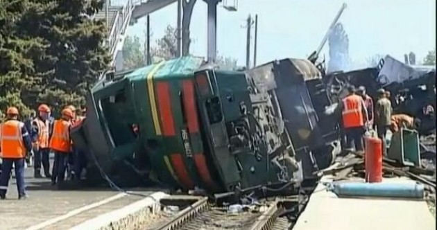 Updated: At least six dead after train derails near Paris (pics)
