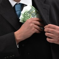 21 bankers in Ireland earned more than €1 million in 2011