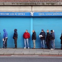 Social welfare payments delayed by one day, affecting 32,700 people