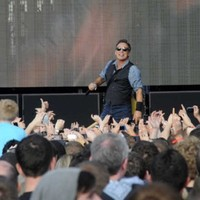 Hurling fan Bruce Springsteen dedicates Glory Days to Limerick's Munster heroes