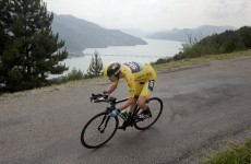 Sprint finish: Chris Froome has time to stop for bike swap, still wins time trial