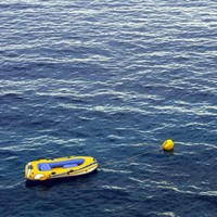 Man attempts to sail from Dorset to Ireland in an inflatable dinghy...