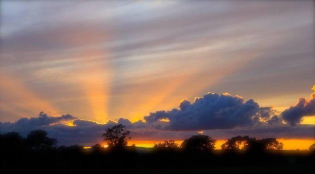 from dusk till dawn your stunning sunset amp sunrise pictures