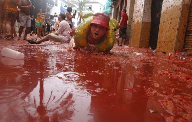 Spain Tomato Fight Tomatina