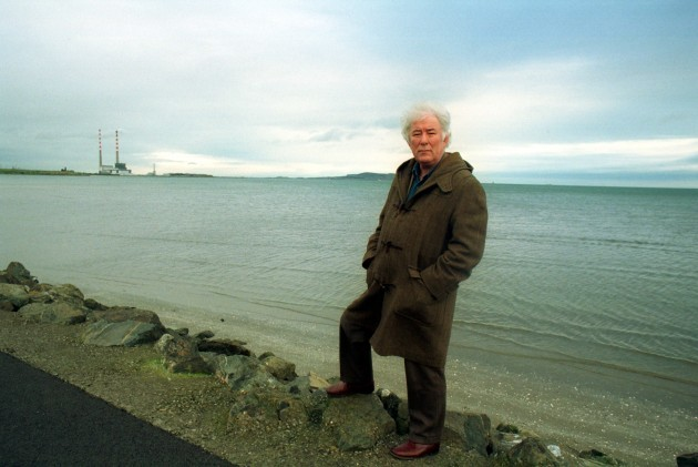 File Pics Seamus Heaney Has Died Today.