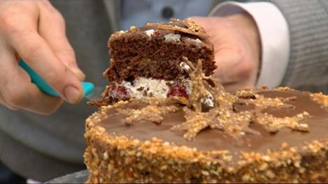 The Great Irish Bake on TV3. Episode 5. Cake.
