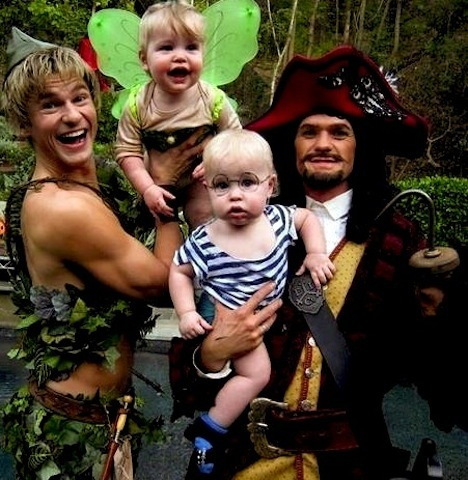 Harris-Burtka family costumes in Halloween 2011 - Imgur