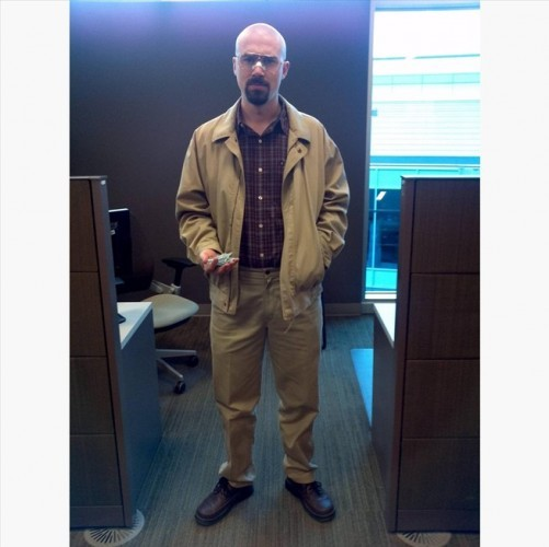 breaking-bad-costume-ideas-for-halloween-plus-make-your-own-blue-sky-meth-candy.w654