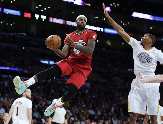 competitive price cc7e7 7491a In pictures: NBA teams wear sleeved jerseys for Christmas ...