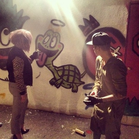 Just had so much fun getting lessons from @justinbieber on how to #SprayPaint! Needless to say I was shit all I did was the horns! Justin is a lovely boy and have turned me into a true #Belieber tonight!