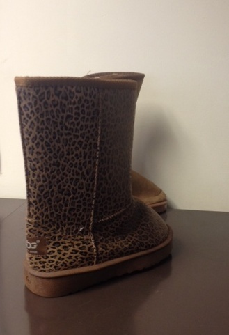 6e2d21e0c03 Loads of fake UGG boots were seized by gardaí in Cork – and here's ...