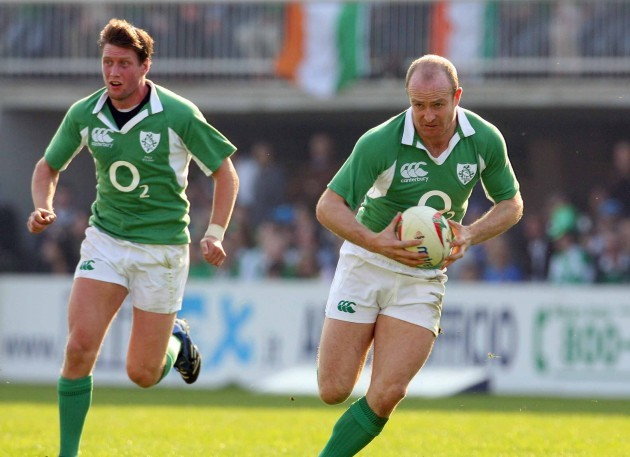 Denis Hickie supported by Ronan O'Gara 20/3/2007