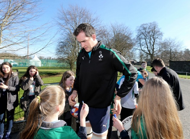 Devin Toner signs autographs for young supporters 11/3/2014