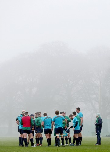 General view of the Irish team training in fog