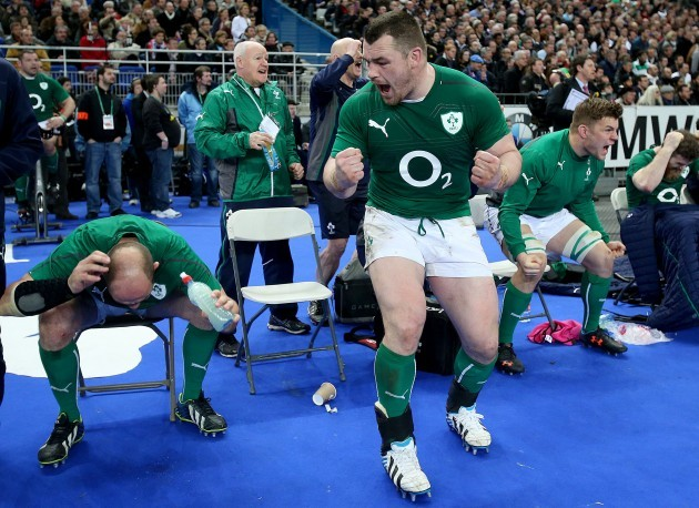 Rory Best, Cian Healy and Jordi Murphy celebrate at the final whistle