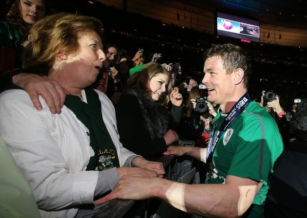 Brian O'Driscoll celebrates with his mother Geraldine and wife Amy