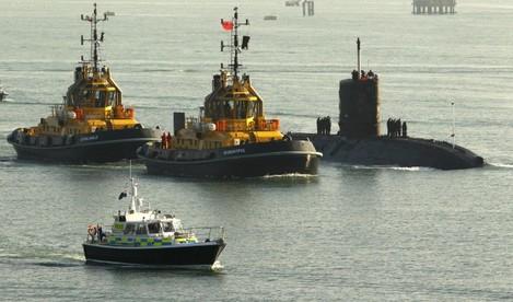 HMS Tireless docks in Southampton
