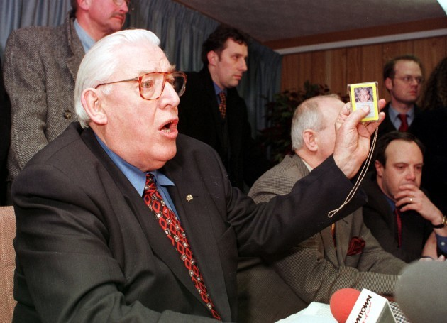 IAN PAISLEY UNIONISTS GOOD FRIDAY PEACE AGREEMENTS NORTHERN IRELAND TROUBLES CONFLICTS PEACE TALKS PROCESS