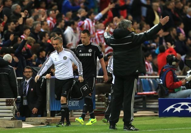Soccer - UEFA Champions League - Semi Final - First Leg - Atletico Madrid v Chelsea - Vincente Calderon Stadium