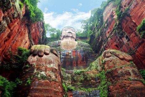 A giant Buddha located in Leshan, China. - Imgur