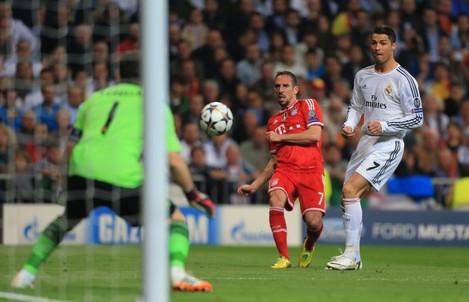 Soccer - UEFA Champions League - Semi Final - First Leg - Real Madrid v Bayern Munich - Santiago Bernabeu