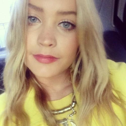 Wearing lots of yellow to @mtvuk today in a bid to make myself feel awake. Zonked!! #jetlagnofun