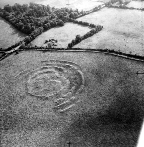 Pic 1 Tlachtga from the air (Courtesy of Cambridge University Collection of Aerial Photography)