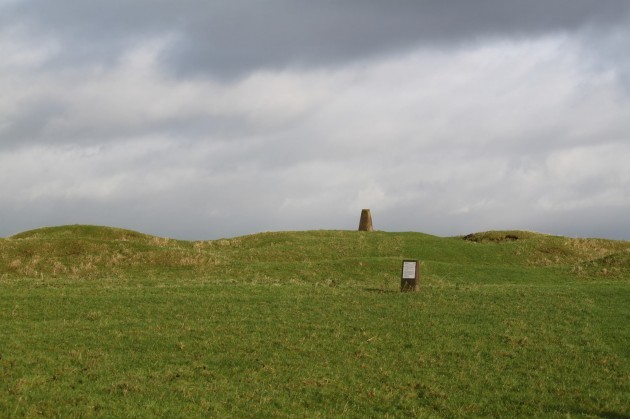 Pic 5 The earthworks of Tlachtga from the ground (Stephen Davis)