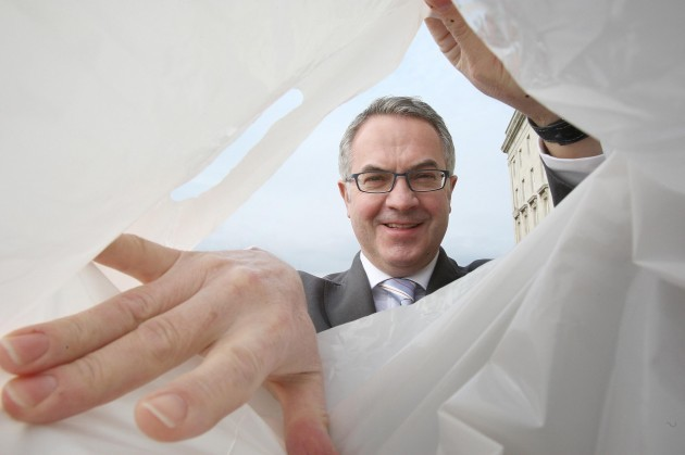 Shoppers to face carrier bag tax
