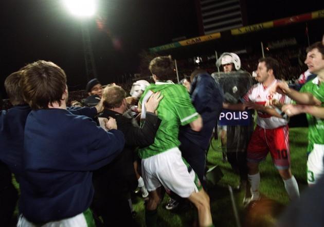 Tony Cascarino 17/11/1999