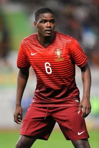 Soccer - International Friendly - Portugal v Cameroon - Estadio Dr Magalhaes Pessoa