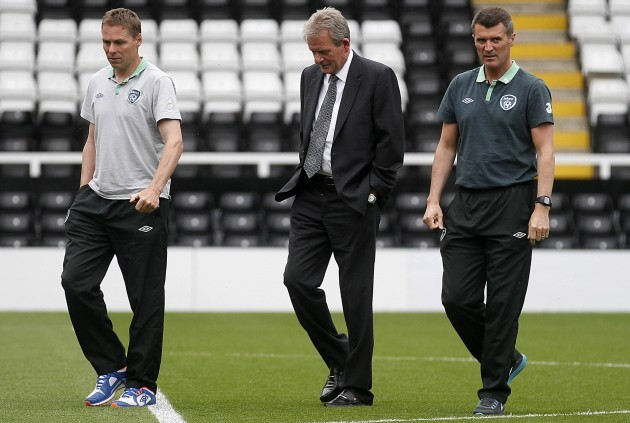 Roy Keane with Steve Guppy and Steve Walford