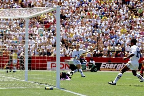 Soccer - World Cup USA 1994 - Quarter Final - Sweden v Romania - Stanford Stadium