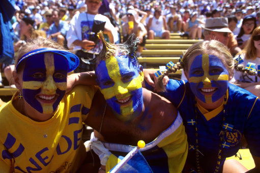 Soccer - FIFA World Cup USA 94 - Semi Final - Sweden v Brazil - Rose Bowl