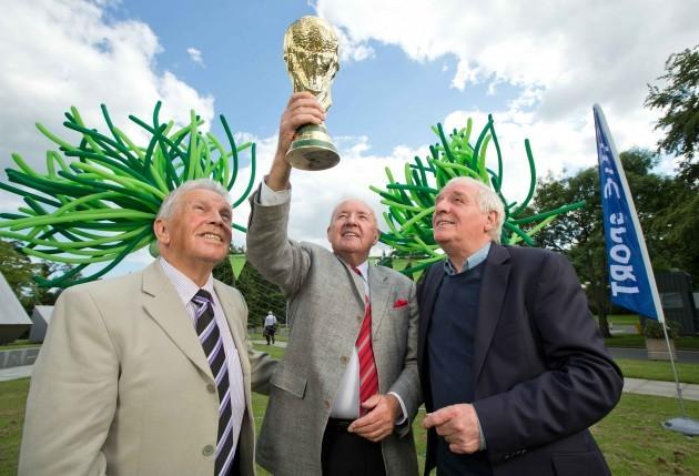 Bill O'Herlihy alongside John Giles and Eamon Dunphy