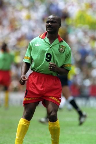 Soccer - FIFA World Cup USA 1994 - Group B - Sweden v Cameroon - Rose Bowl, Pasadena