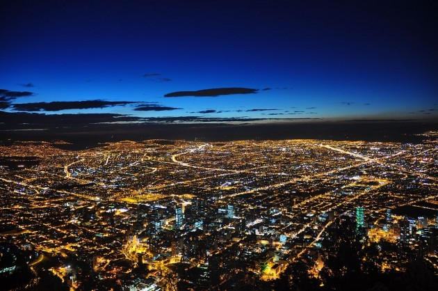 1280px-Bogotá_de_noche