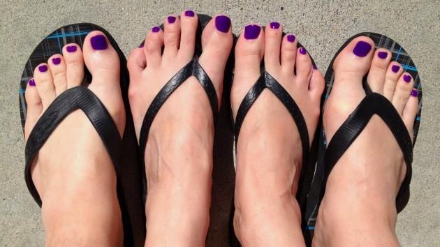 purple toes 2