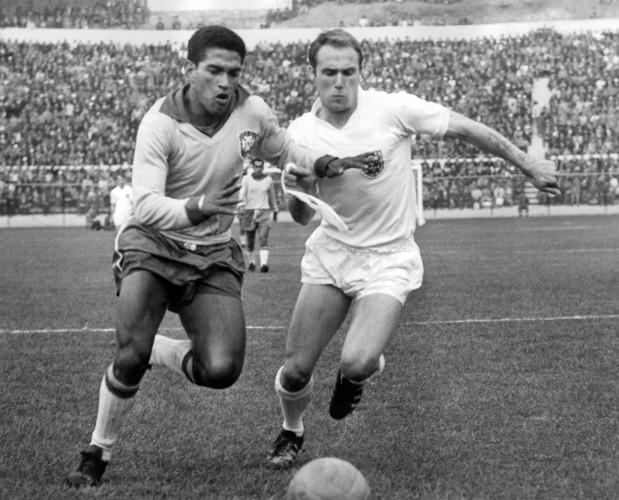 Soccer - World Cup Chile 1962 - Quarter Final - Brazil v England