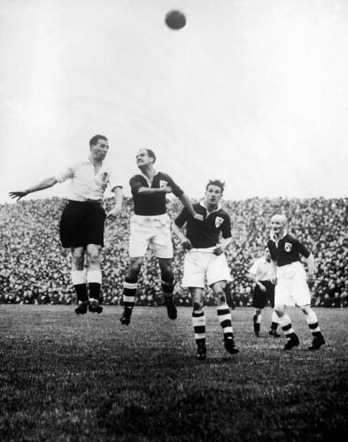 Soccer - Friendly - Ireland v England
