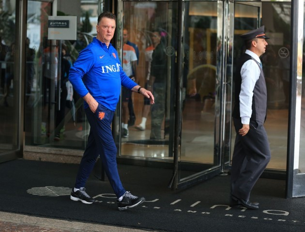 Soccer - FIFA World Cup - Holland leave team hotel