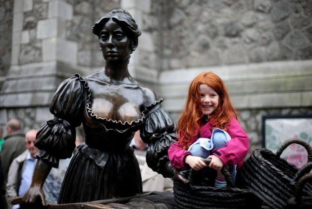 Molly Malone statue temporary home