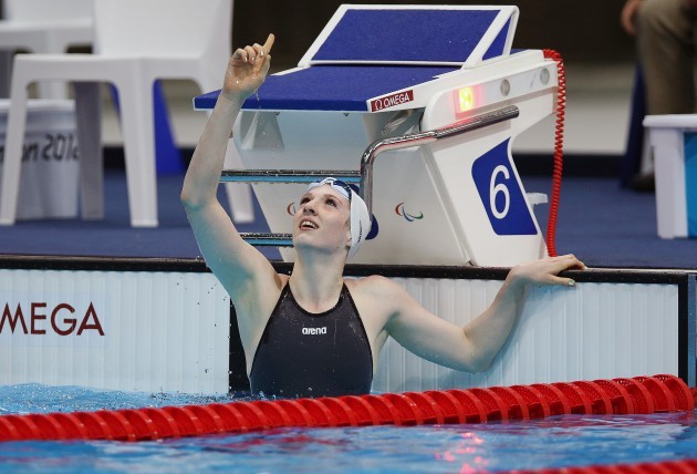 Bethany Firth celebrates winning gold