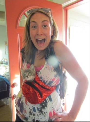 Carry da Cat in da Fanny Pack - Imgur