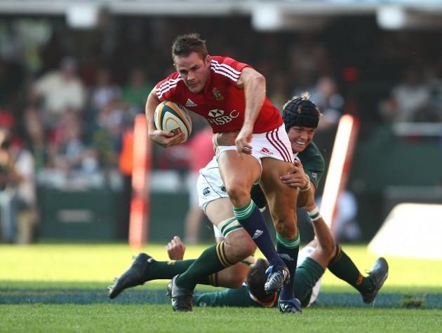 Lee Byrne gets tackled